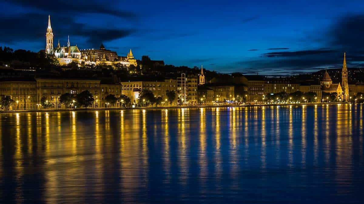 Take a cruise in Danube, Budapest
