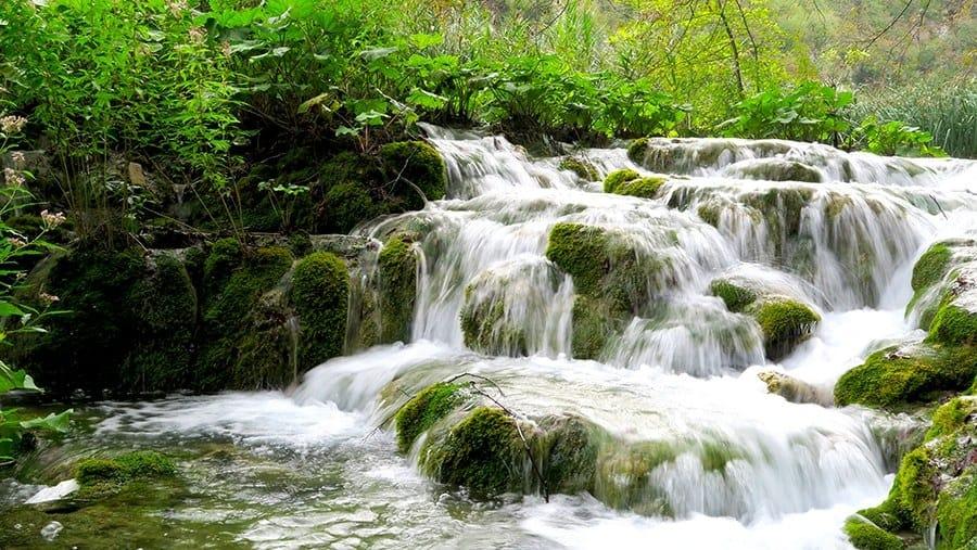 Hiking Plitvice Lakes National Park Experience