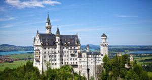 15 Beautiful Castles in Europe That Would Inspire Your Wanderlust SCHEMA