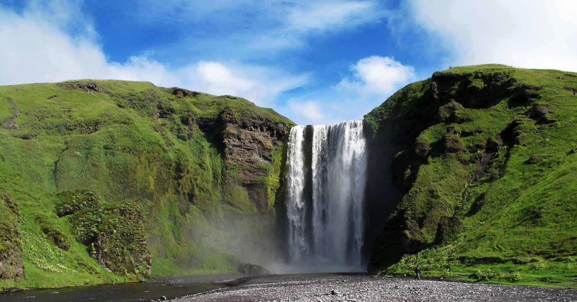 20 Photos of Iceland in Summer That Will Inspire You To Travel FEATURED