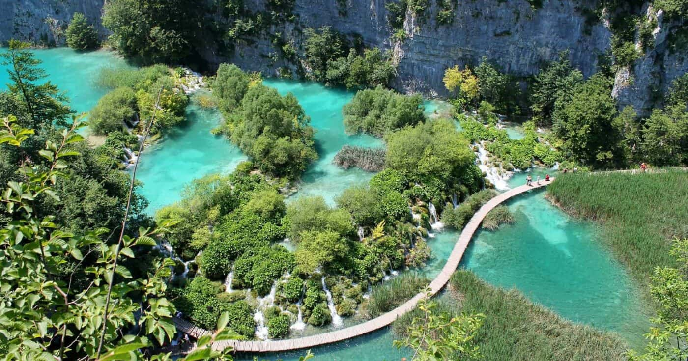 Hiking Plitvice Lakes National Park Experience and It's Majestic Beauty FEATURED