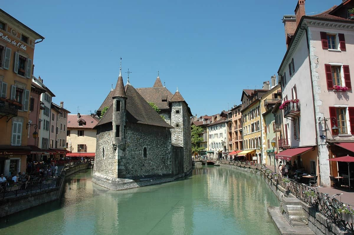 FAIRYTALE TOWNS AND VILLAGES IN EUROPE Annecy France
