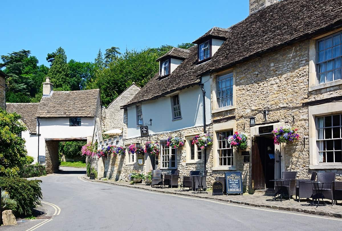 FAIRYTALE TOWNS AND VILLAGES IN EUROPE Castle Combe England