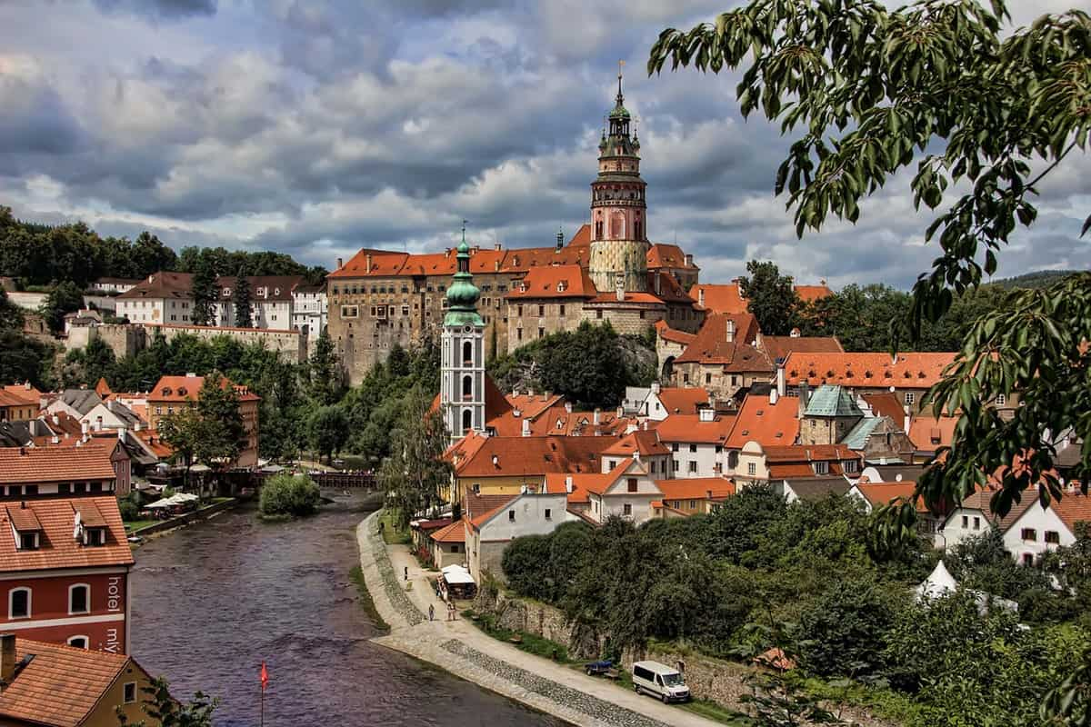 FAIRYTALE TOWNS AND VILLAGES IN EUROPE Cesky Krumlov Czech Republic