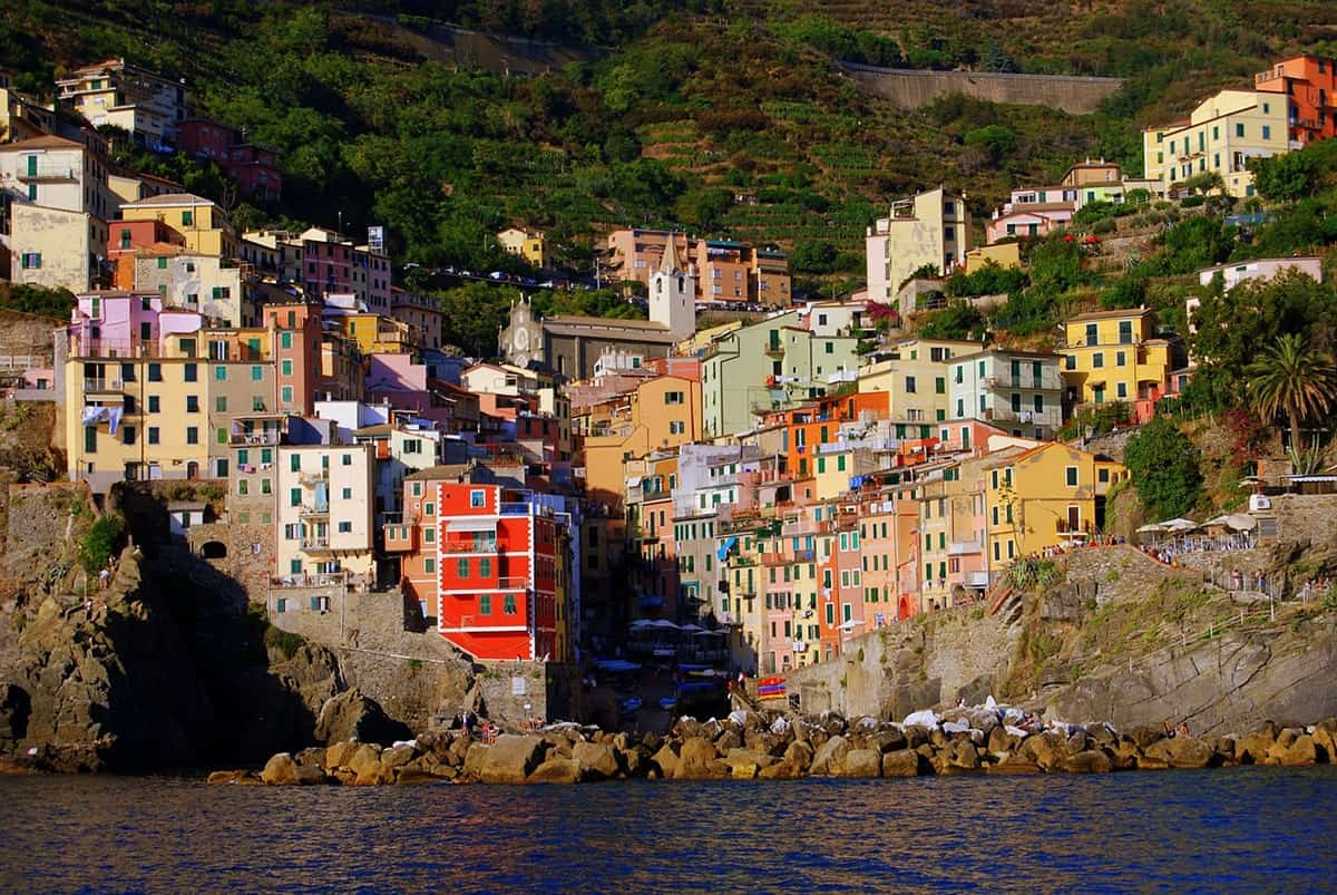 FAIRYTALE TOWNS AND VILLAGES IN EUROPE Cinque Terre Italy