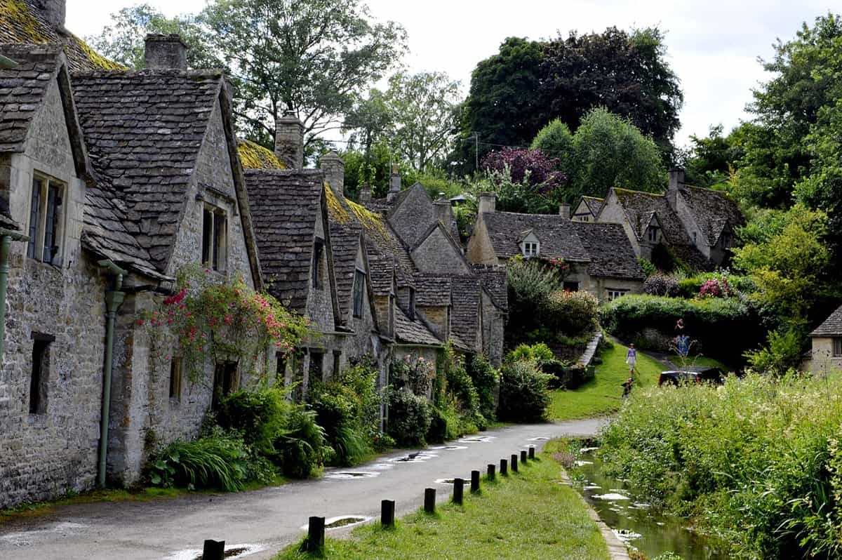 FAIRYTALE TOWNS AND VILLAGES IN EUROPE Cotswolds England