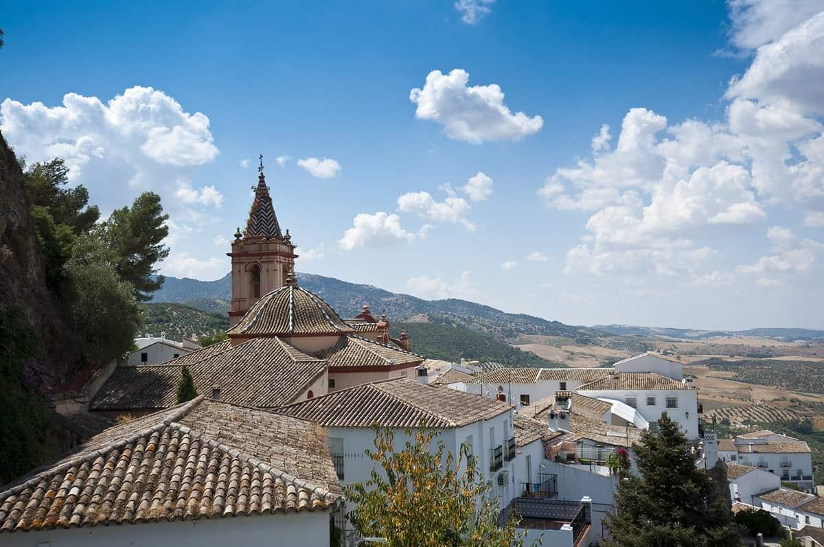 FAIRYTALE TOWNS AND VILLAGES IN EUROPE Zahara de la Sierra Spain