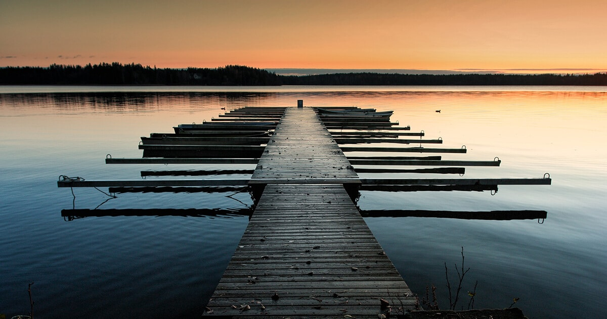 A view of the Finnish lakeside at dawn