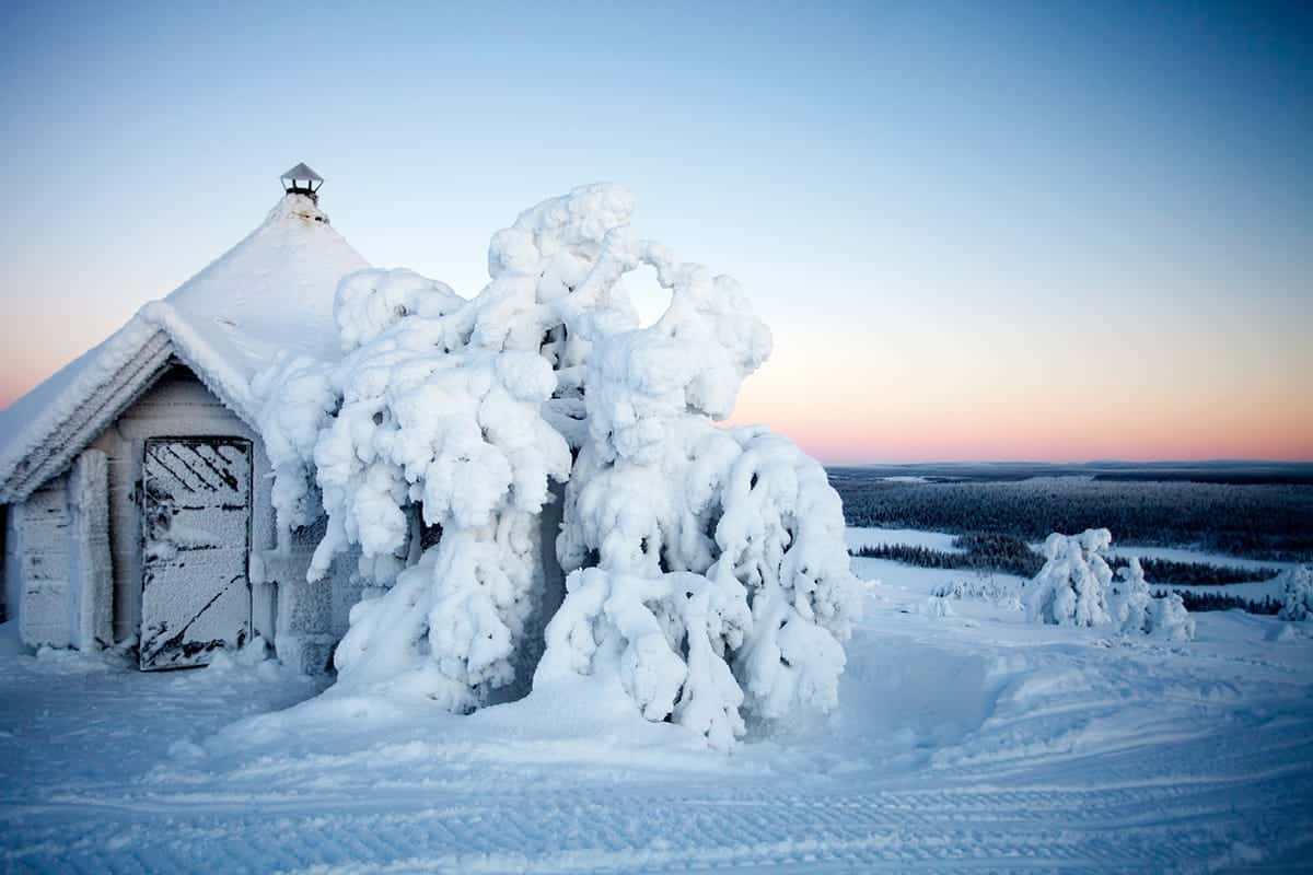 BEAUTIFUL SNOW COVERED COTTAGE IN SALLA, NORTHERN FINLAND