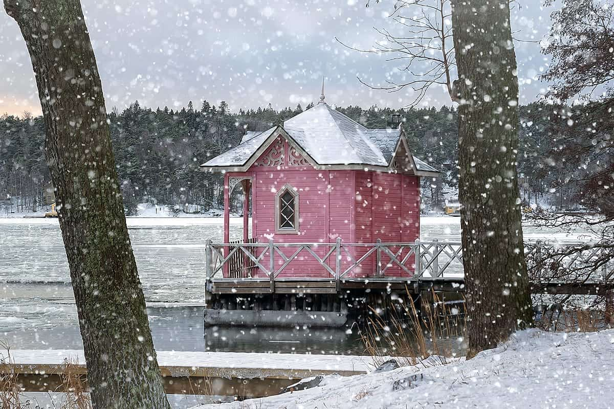 THE FAMOUS PINK COTTAGE LANDMARK IN TURKU, FINLAND