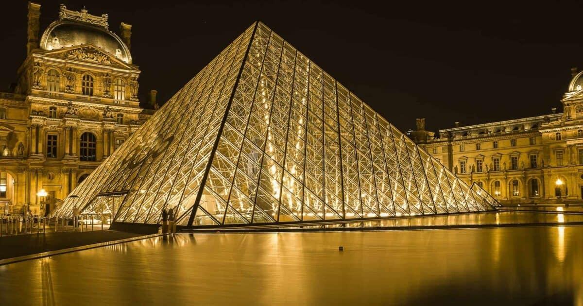 three days in paris itinerary featured image