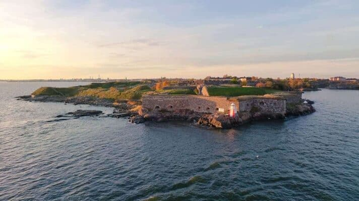 Helsinki Points of Interests and Top Attractions to Visit suomenlinna