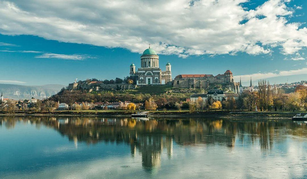 Top 15 Places to Visit in Hungary (From Buzzing City to Wine County!)
