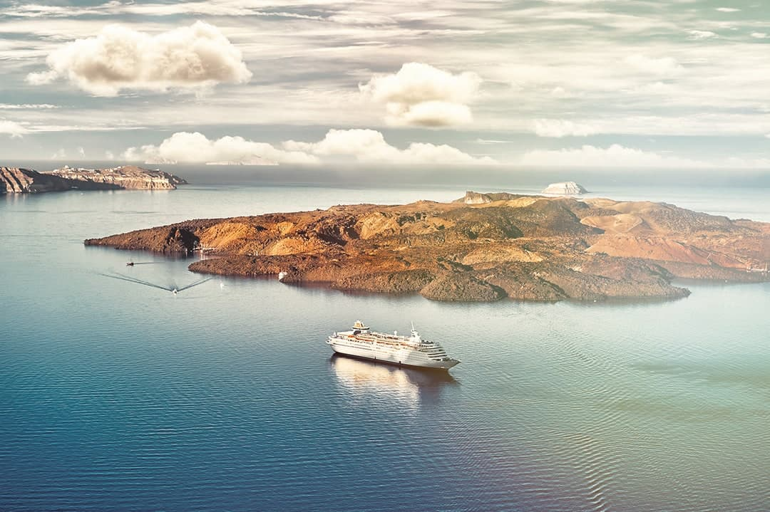 Things to do in Santorini visit Greece tourism nea kameni santorini sleeping volcano