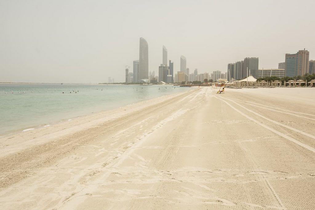 things to do in abu dhabi corniche beach