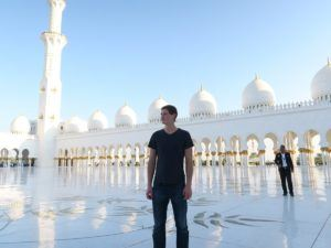 things to do in abu dhabi what men should wear