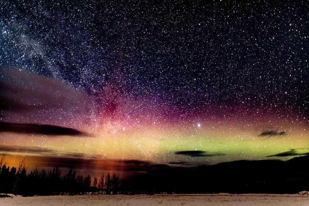 TOP DESTINATIONS TO SPOT AURORA BOREALIST NORTHERN LIGHTS HOLIDAY CANADA