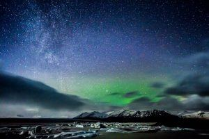 TOP DESTINATIONS TO SPOT AURORA BOREALIST NORTHERN LIGHTS HOLIDAY ICELAND