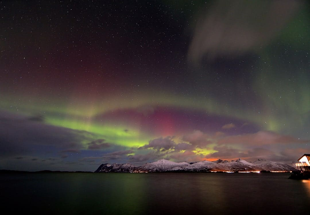 TOP DESTINATIONS TO SPOT AURORA BOREALIST NORTHERN LIGHTS HOLIDAY NORWAY