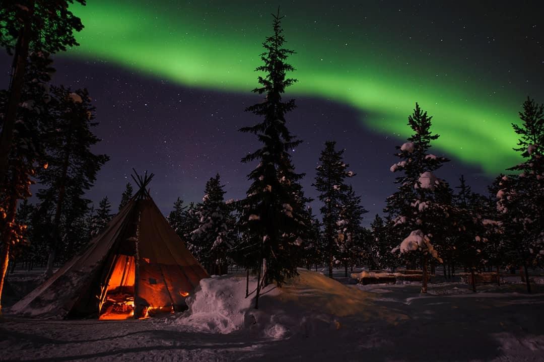 TOP DESTINATIONS TO SPOT AURORA BOREALIST NORTHERN LIGHTS HOLIDAY SWEDEN