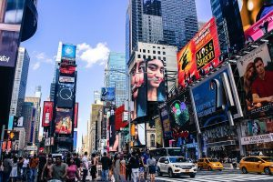 TOP TOURIST ATTRACTIONS IN THE USA TIMES SQUARE IN MANHATTAN NEW YORK