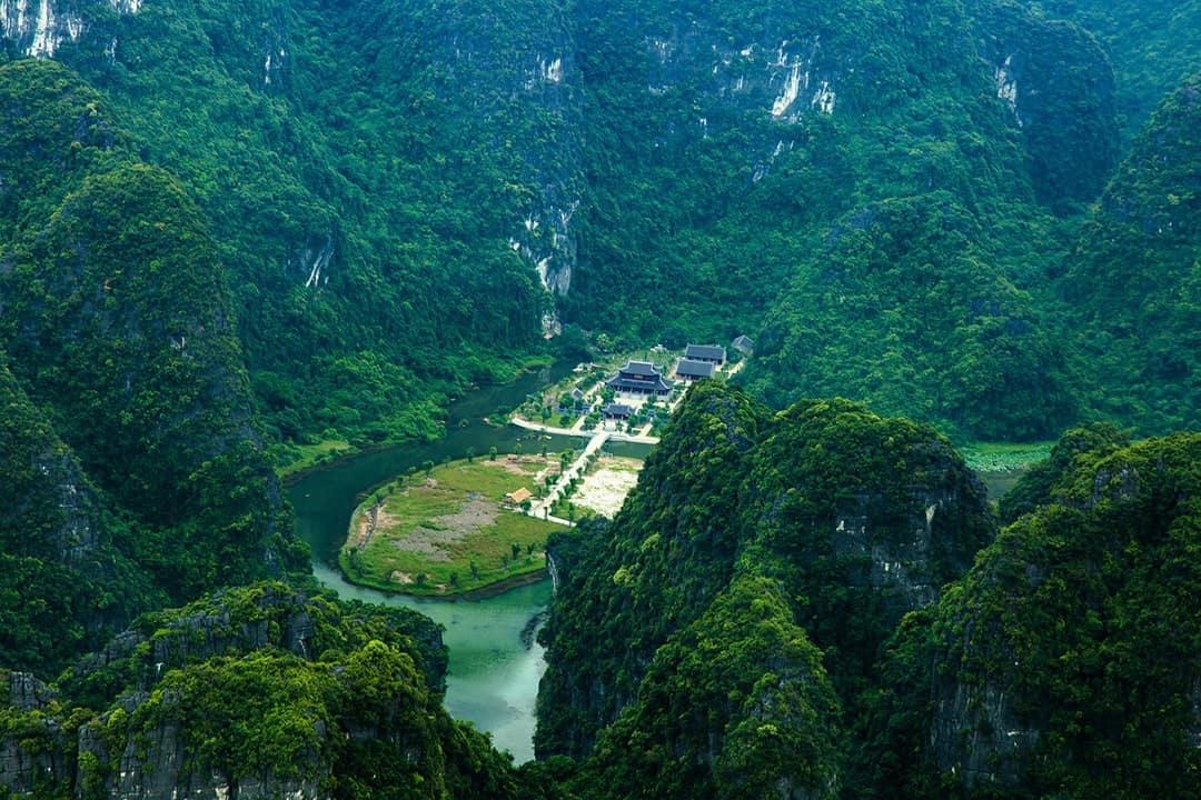 Places to Visit in Vietnam Ninh Binh