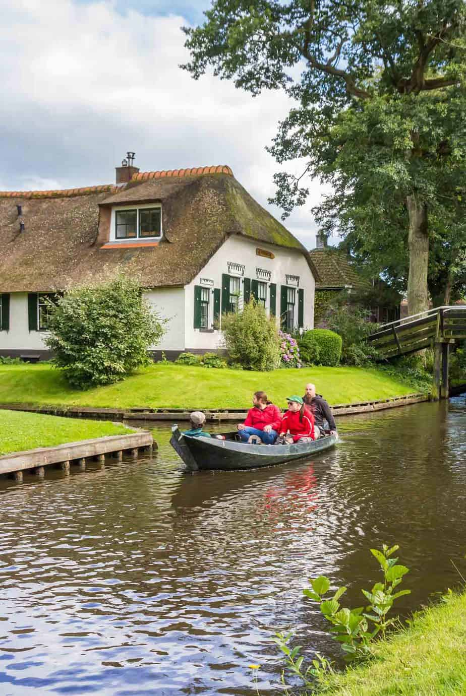 top day trips from amsterdam the netherlands giethoorn