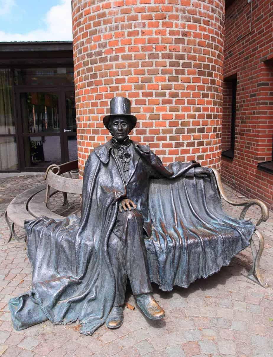 top day trips from copenhagen denmark odense hans christian andersen statue