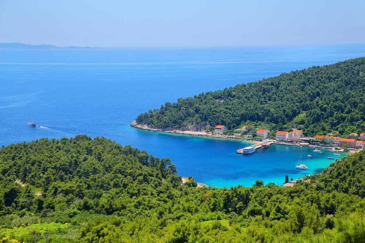 top day trips from dubrovnik croatia peljesac trstenik town