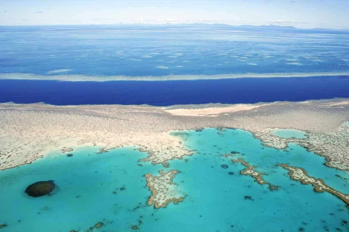 points of interest where to go and places to visit in australia great barrier reef queensland