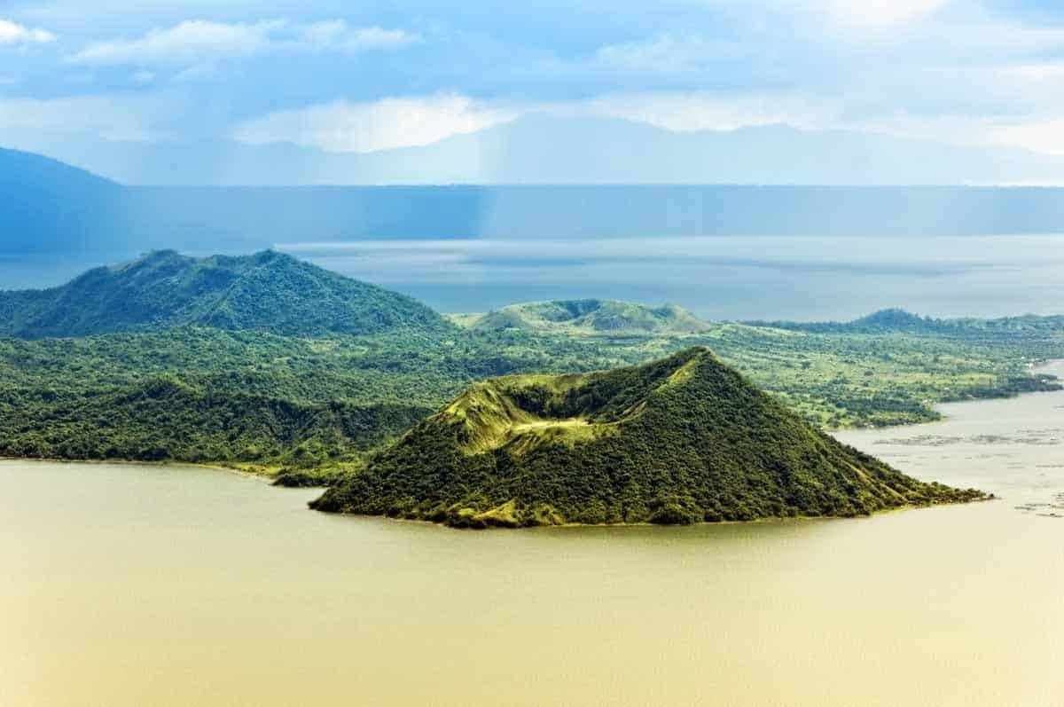 points of interest where to go and places to visit in the philippines tagaytay taal volcano