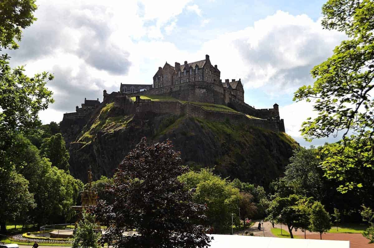 haunted places in europe to visit this halloween edinburgh castle
