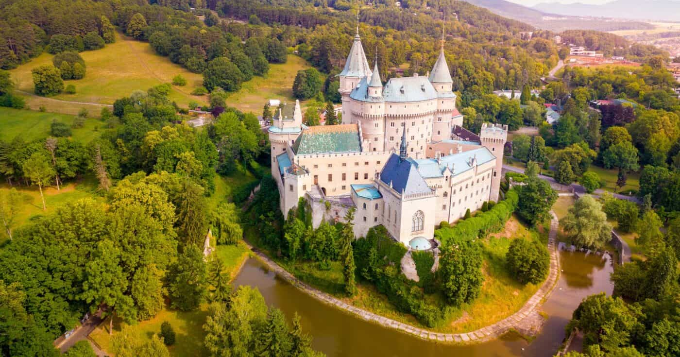 medieval castles in europe featured