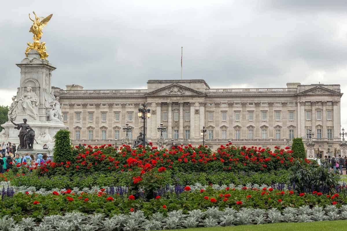 most visited tourist attractions in europe buckingham palace london uk