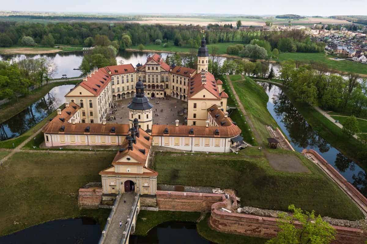 points of interest where to go and places to visit in belarus nesvizh castle