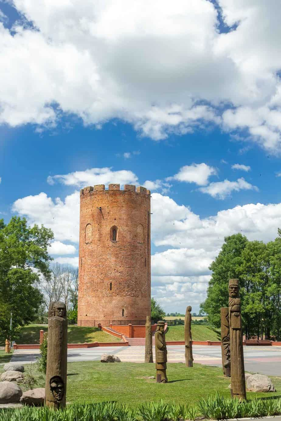 points of interest where to go and places to visit in belarus tower of kamyenyets