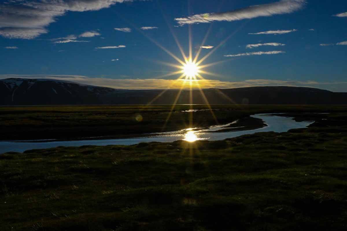 top countries in the world where to see the midnight sun iceland