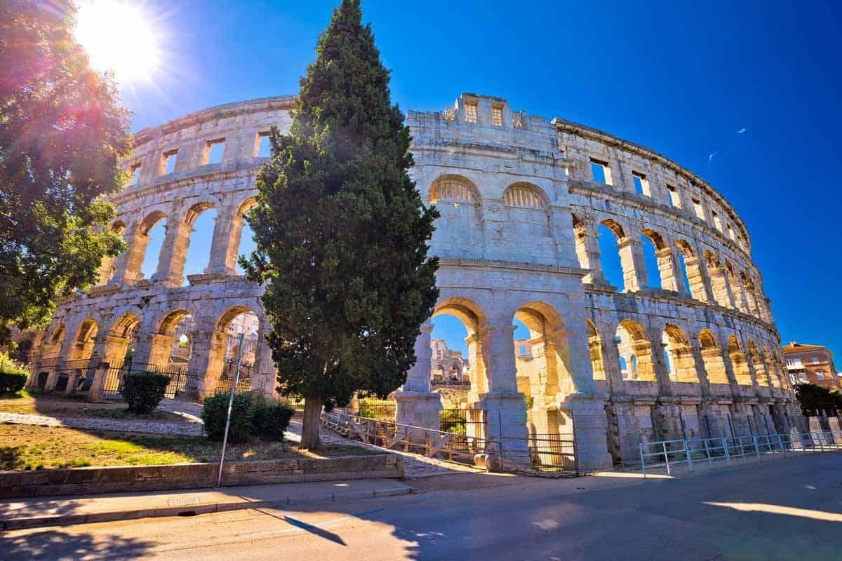 top tourist attractions in istria croatia amphitheater pula