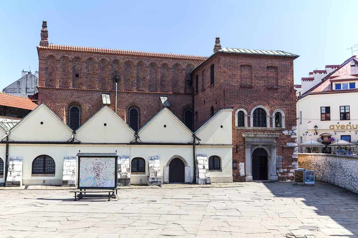 top tourist attractions in krakow poland jewish district old synagogue