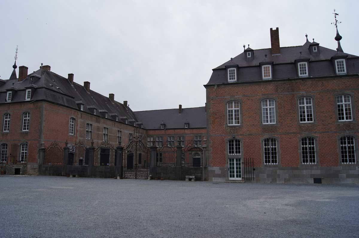 castles in belgium freyr sur meuse