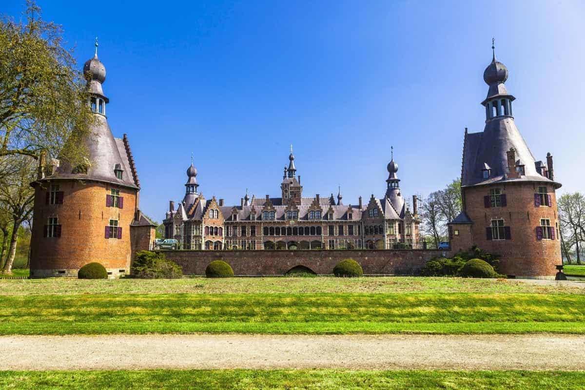 castles in belgium kasteel van ooidonk