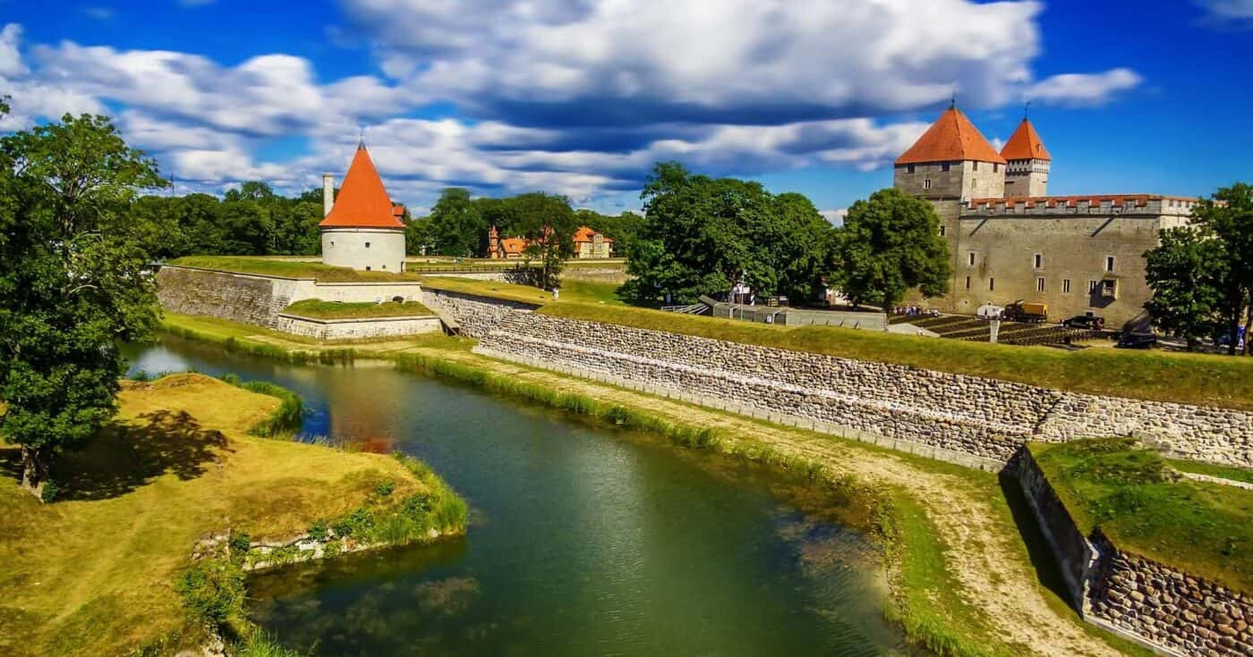 castles in estonia featured