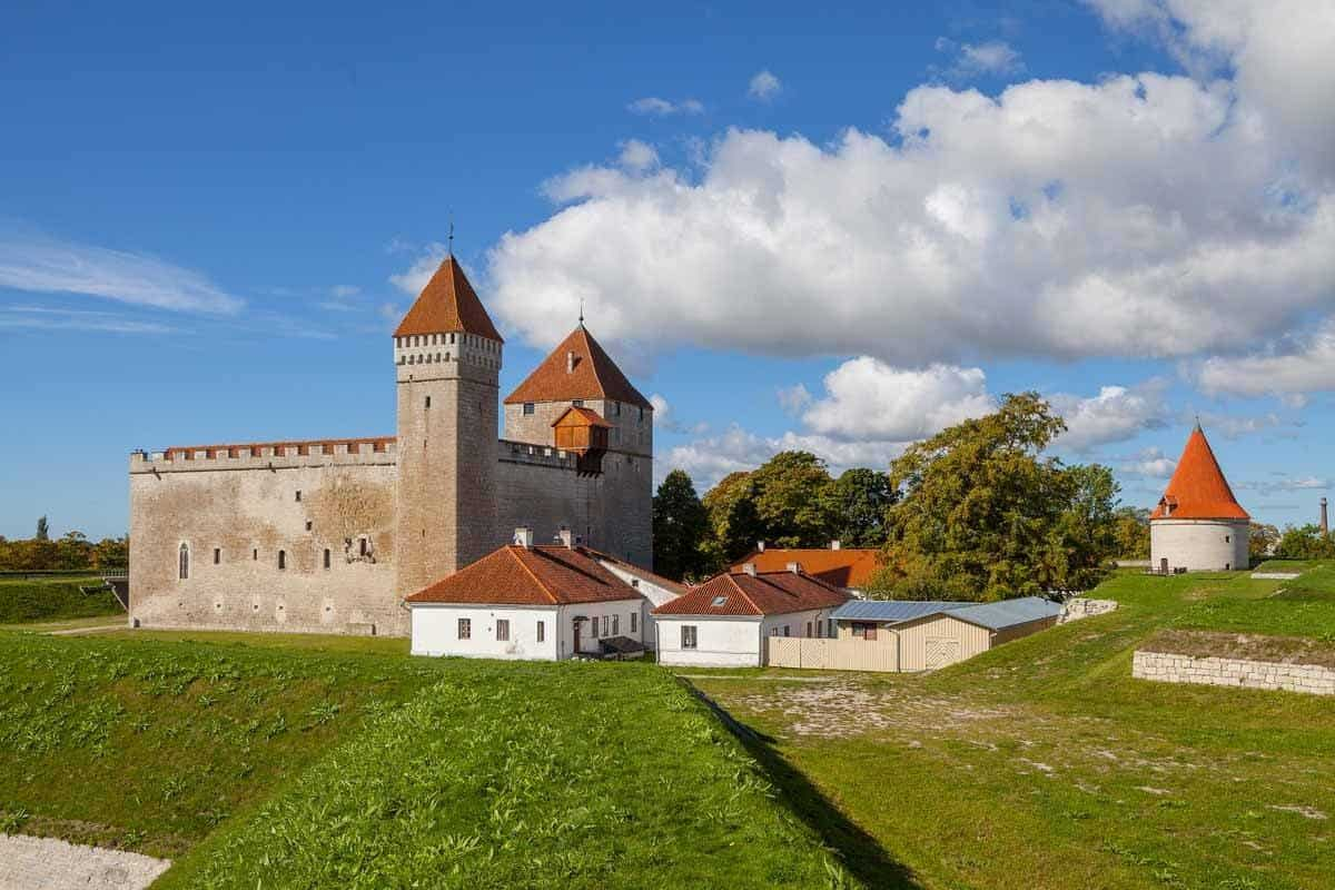 castles in estonia kuressaare castle