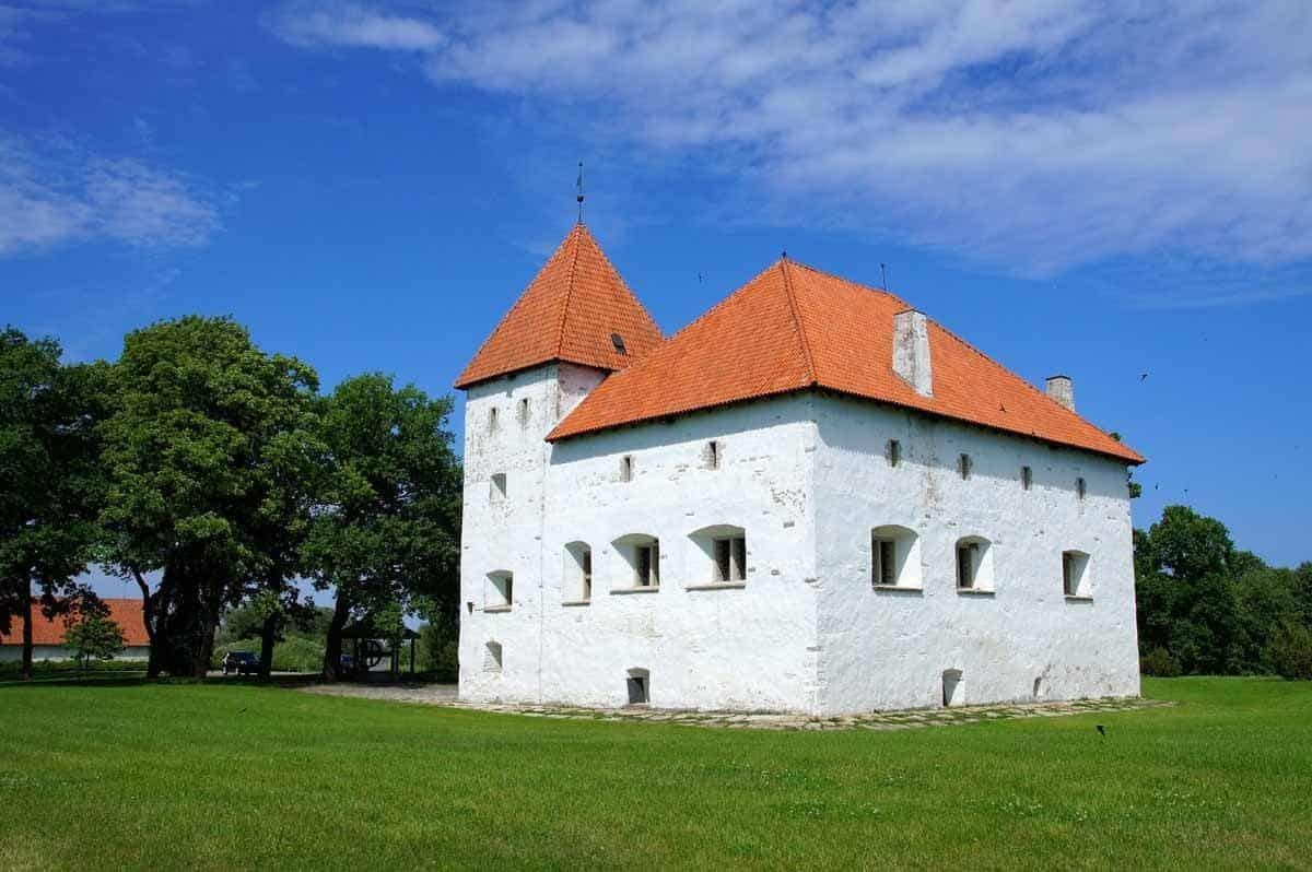 castles in estonia purtse castle