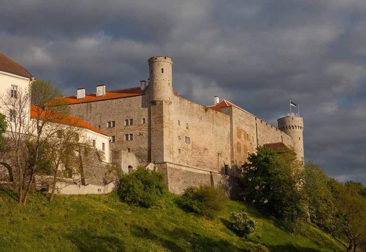 castles in estonia toompea castle