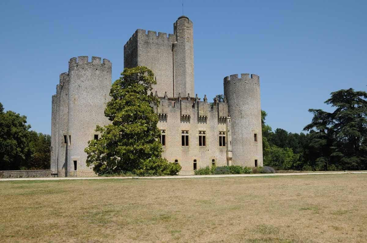 castles in france chateau de roquetaillade