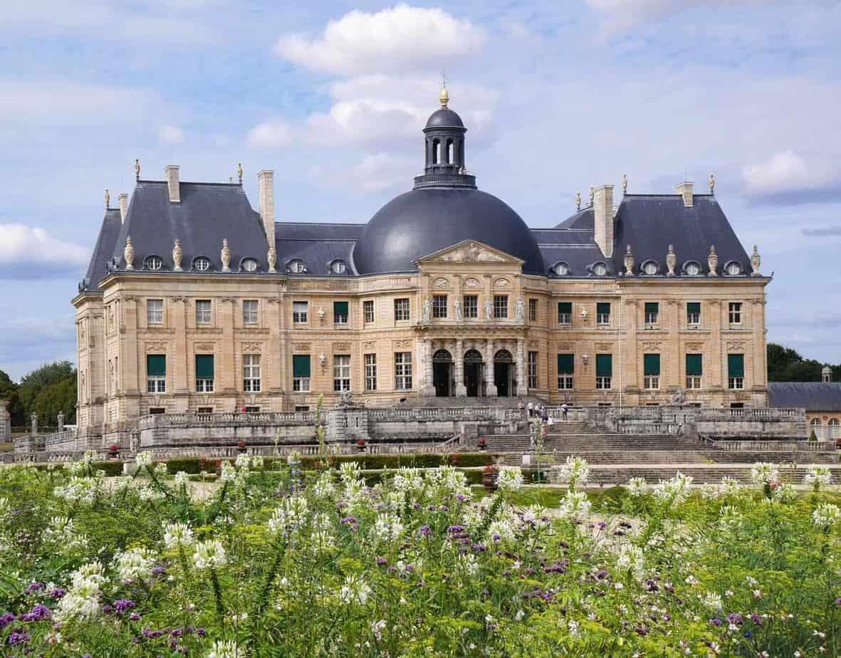 castles in france chateau de vaux le vicomte
