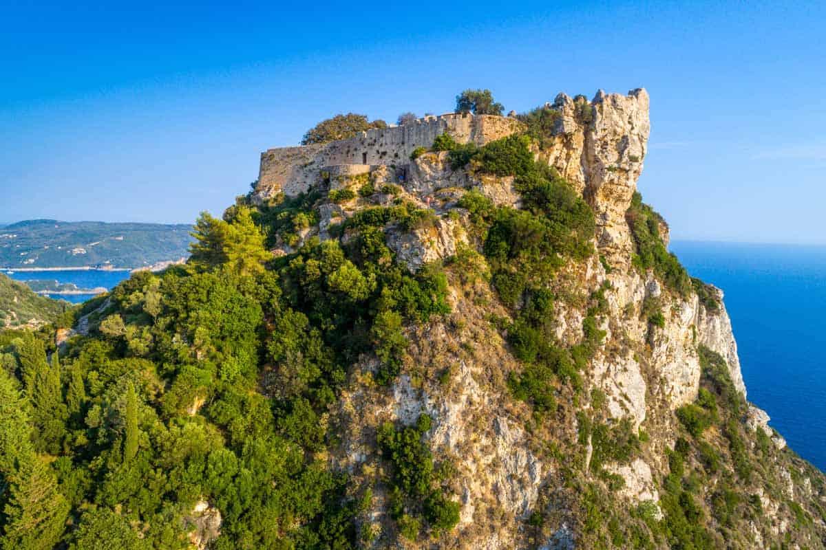 castles in greece angelokastro