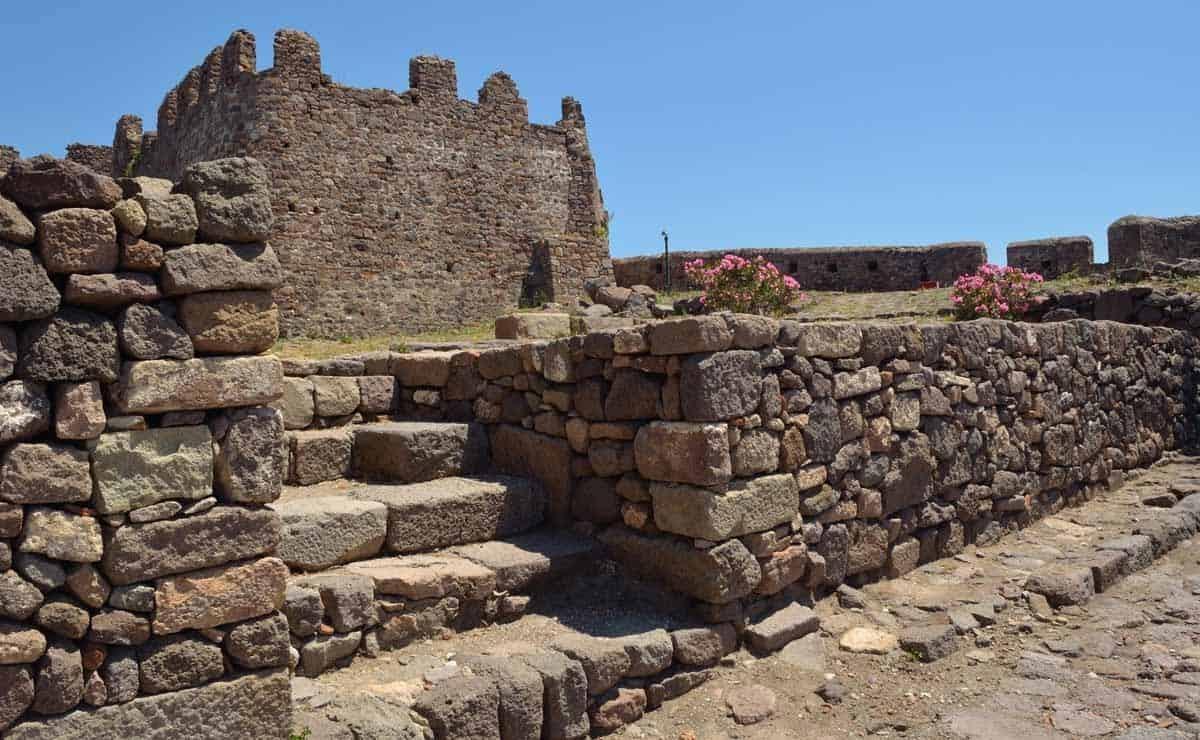 castles in greece castle of molyvos