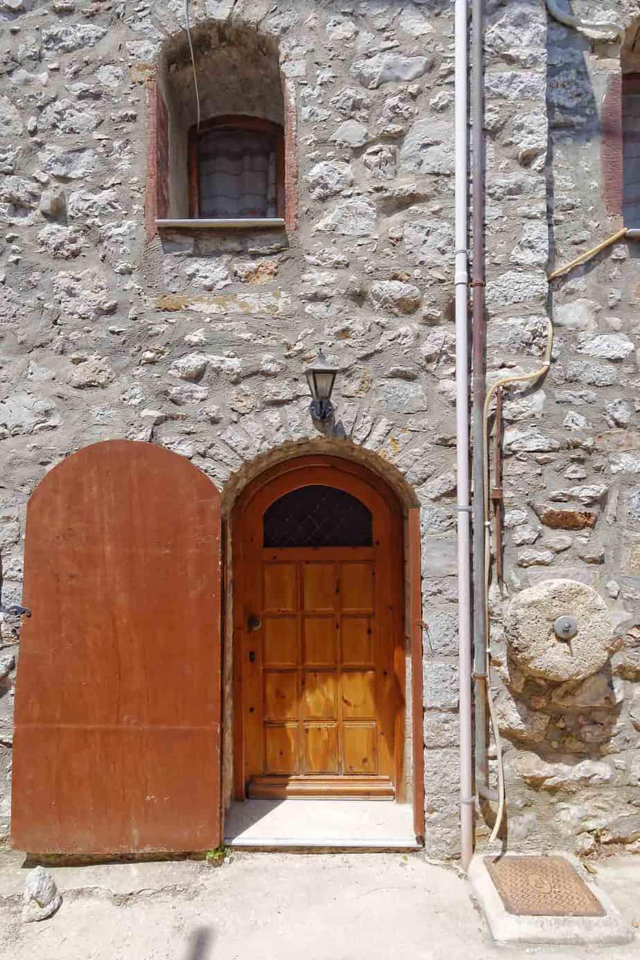 castles in greece mesta